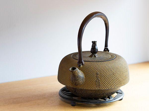 南部铁器铁瓶